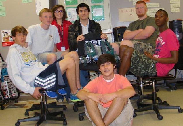 Amanda Gamble Wood and her Tupelo High School students.