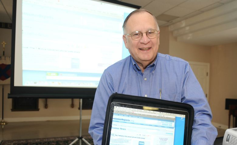 Dr. Lee N. Bolen has been honored with a scholarship fund in his name at UM. Pictured here, Bolen also offered his time in the community by teaching courses on computer technology for senior citizens.