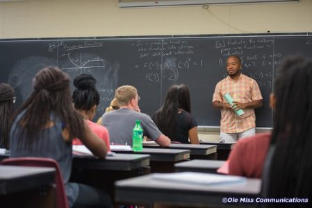 Kelvin Holmes math class. Photo by Kevin Bain/Ole Miss Digital Imaging Services.