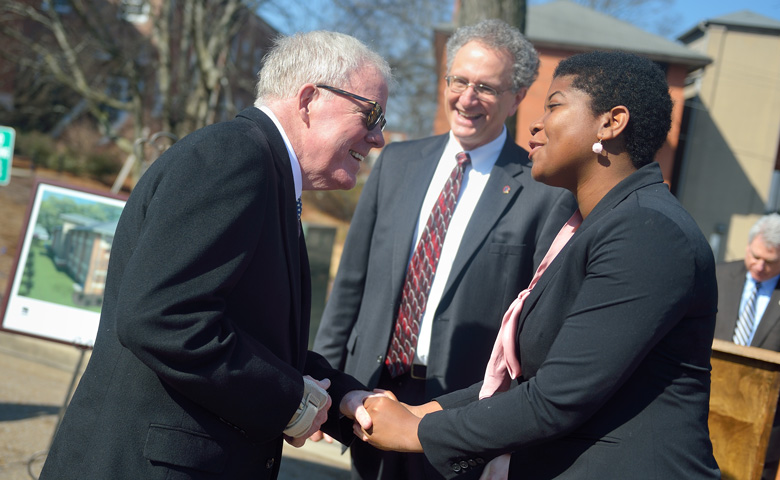 Jim Barksdale (left) chats with Douglass Sullivan-Gonzalez, director of the Sally McDonnell Barksdale Honors College, and former Honors College student Sierra Mannie.